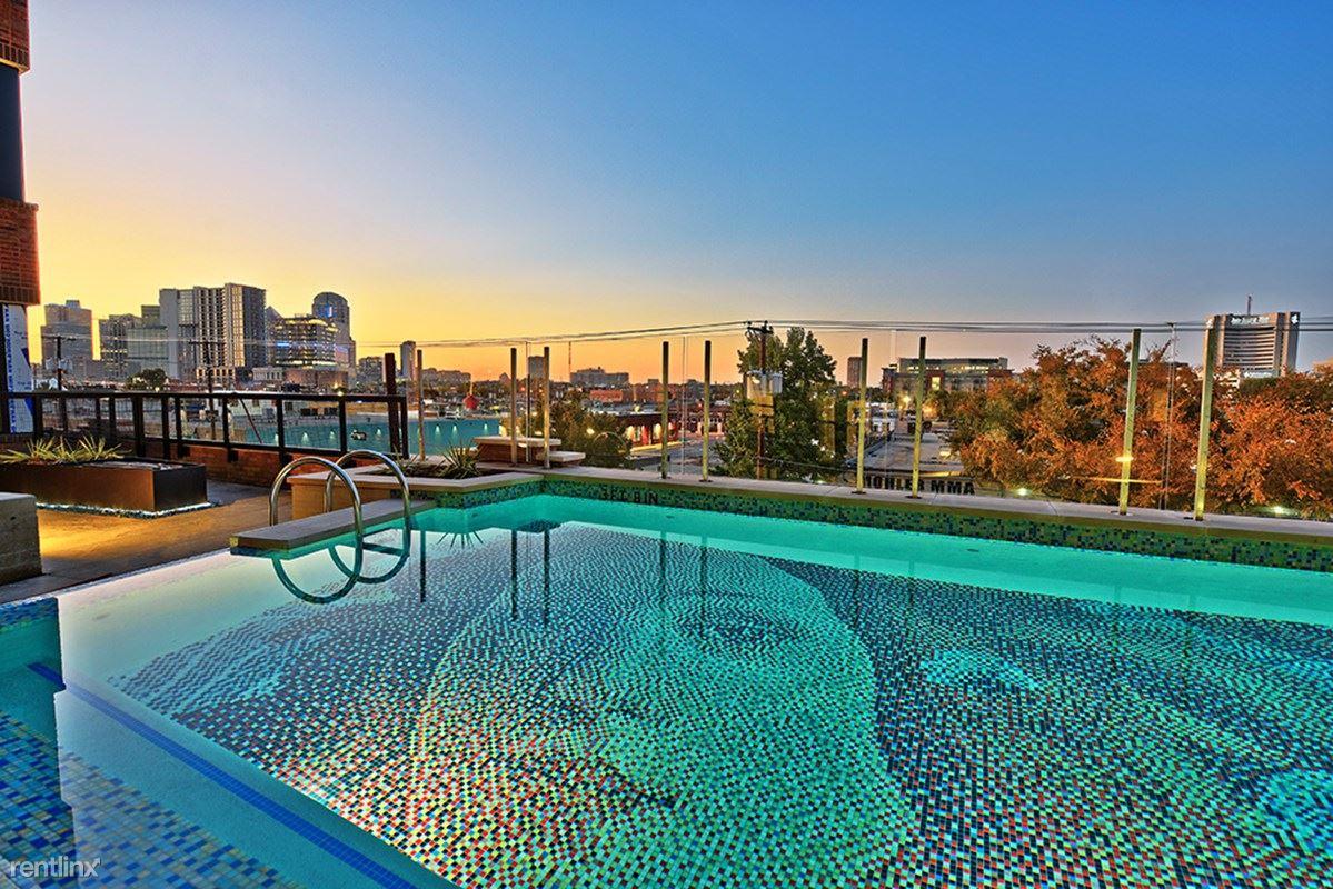 Deep Ellum, Dallas, TX - $2,590 USD/ month