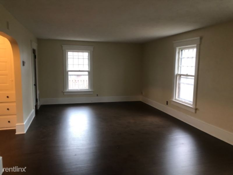 1725 Woodland Ave NW, Canton, OH - $1,200 USD/ month