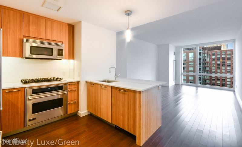 202 N End Ave, New York, NY - $8,150 USD/ month