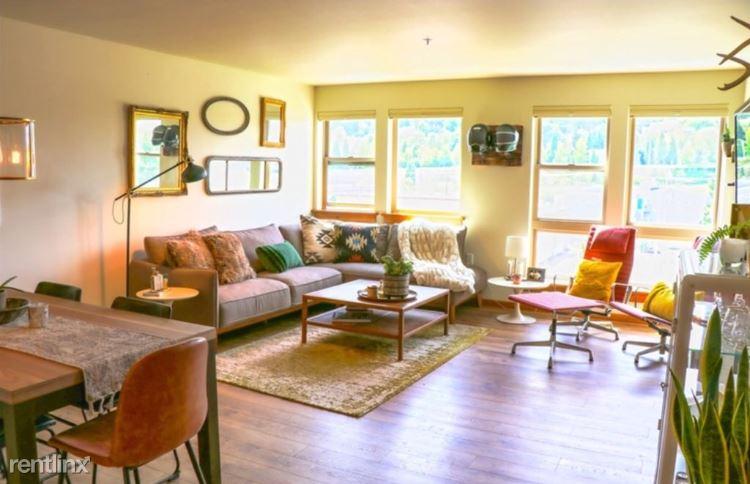 Hiawatha Pl S, Seattle, WA - $3,400 USD/ month
