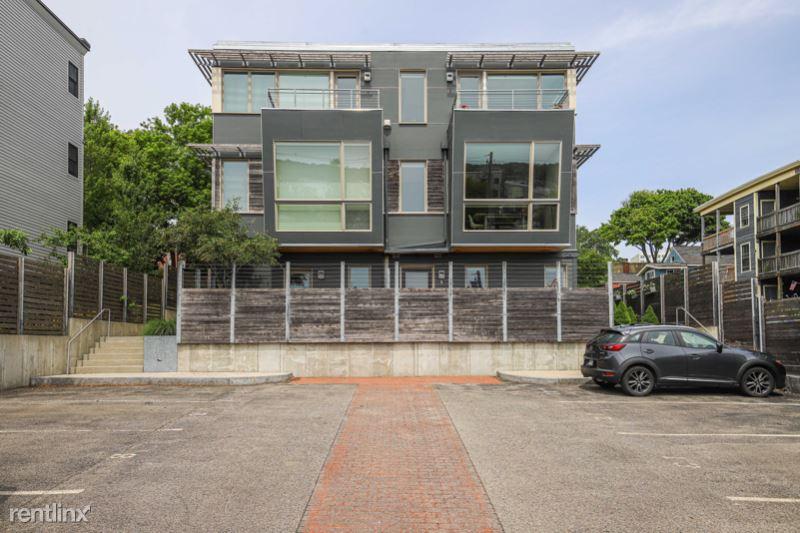 York Street, Portland, ME - $3,900 USD/ month