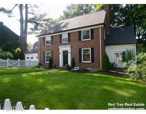 15 Woodard Rd, West Roxbury MA 02132, West Roxbury, MA - $4,000 USD/ month
