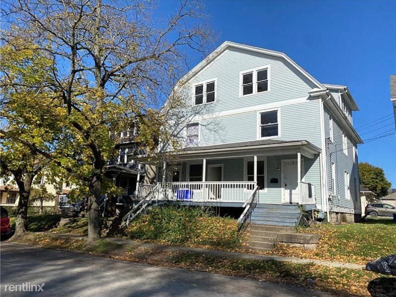 117 Park Ave 2, New Castle, PA - $650 USD/ month
