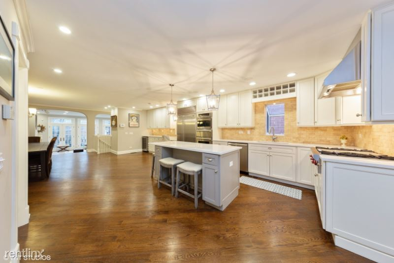 N Southport Ave, Chicago IL, Chicago, IL - $11,500 USD/ month