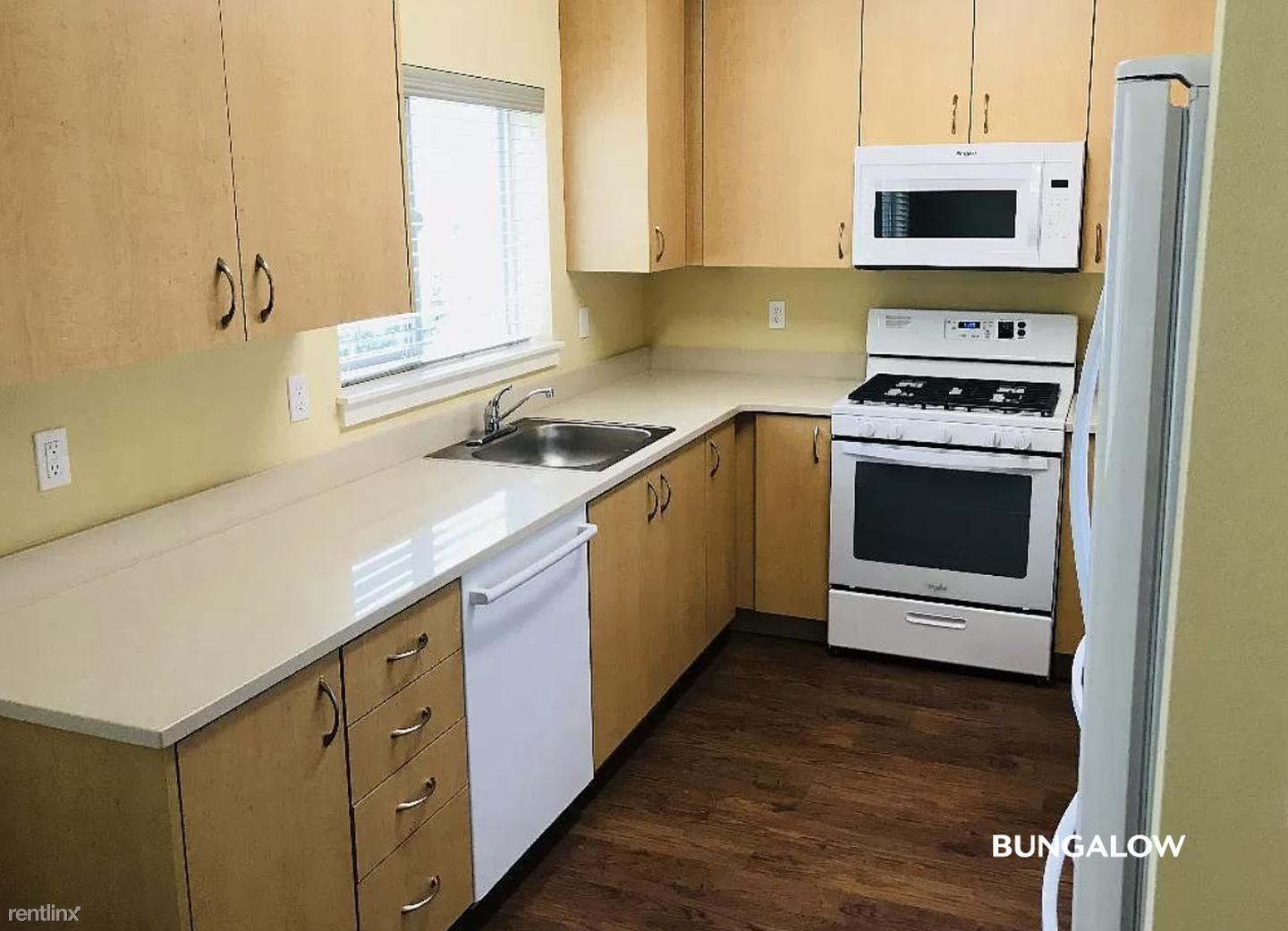 702 SW Broadway Dr, Portland, OR - $675 USD/ month