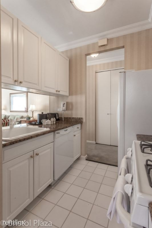 211 E 65th St, New York, NY - $16,400 USD/ month