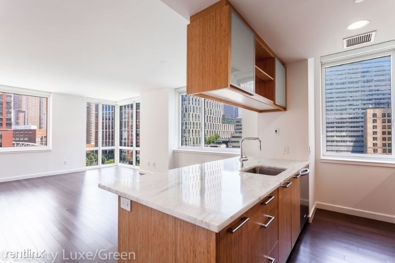 201 N End Ave, New York, NY - $14,750 USD/ month