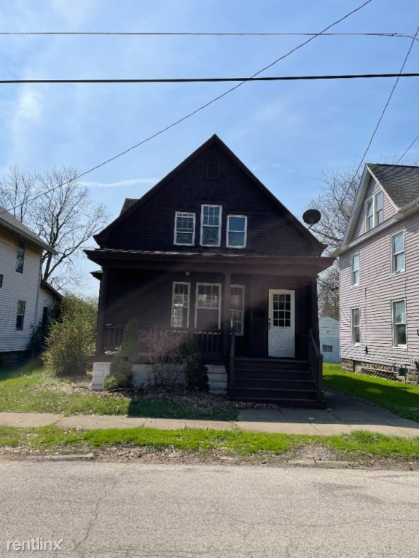 140 Park Ave, New Castle, PA - $750 USD/ month