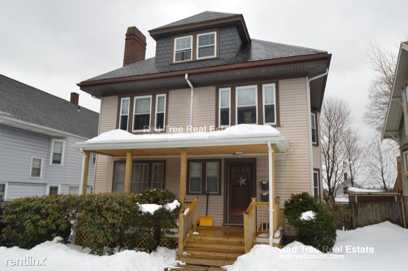 54 Manthorne Rd 2, West Roxbury, MA - $3,600 USD/ month