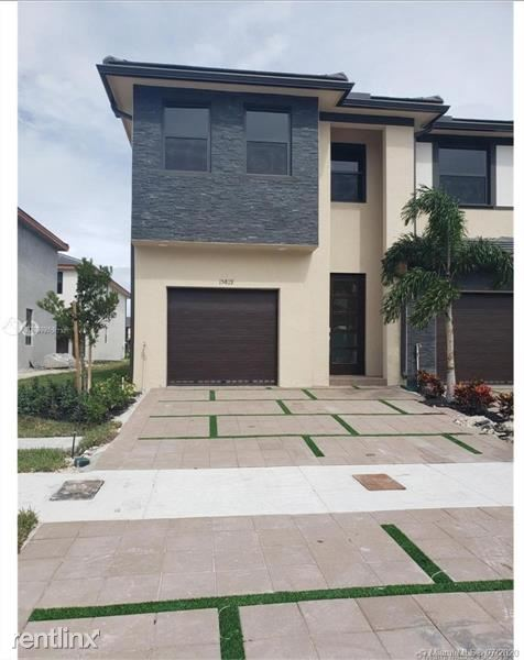15819 NW 91st Ct, Miami Lakes, FL - $2,950 USD/ month