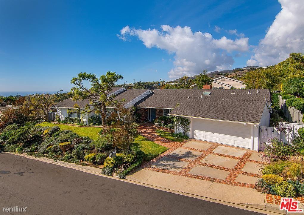 1201 Las Pulgas Rd, Pacific Palisades, CA - $12,000 USD/ month