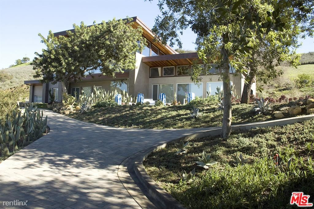 3000 Decker Canyon Rd, Malibu, CA - $29,000 USD/ month