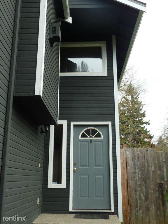 22nd Ave, Seattle WA, Seattle, WA - $675 USD/ month