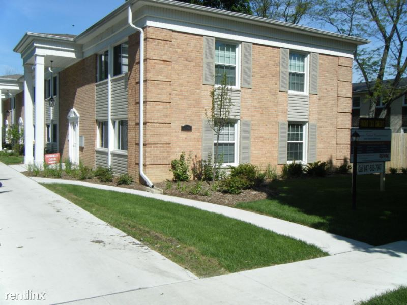 5142 Fairview 8, Downers Grove, IL - $1,340 USD/ month