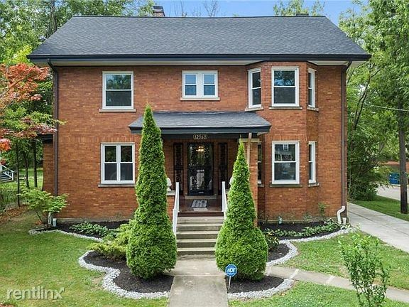 12563 Clifton Blvd, Lakewood, OH - $2,999 USD/ month