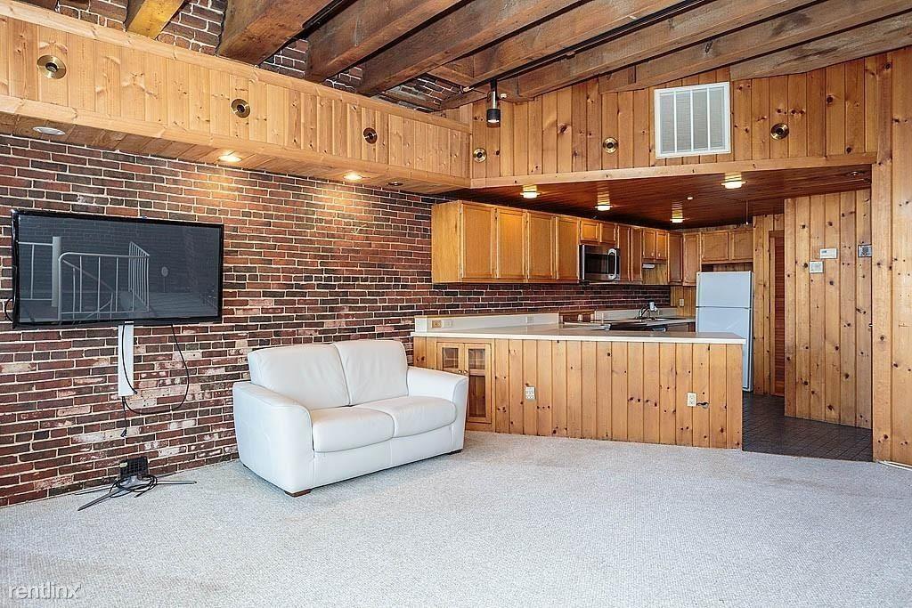 75 Fulton St, Boston, MA - $800 USD/ month