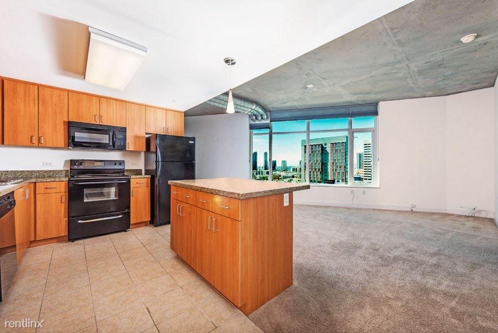 1080 Park Blvd, San Diego, CA - $1,000 USD/ month