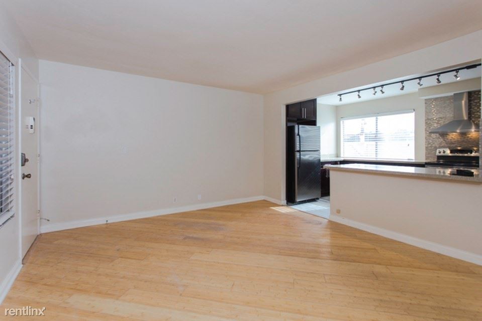 1740 Roosevelt Ave, San Diego, CA - $750 USD/ month