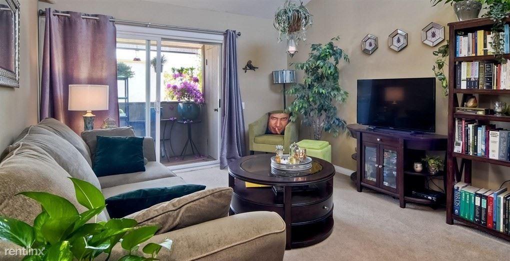 3549 Castle Glen Dr Unit 221, San Diego, CA - $900 USD/ month