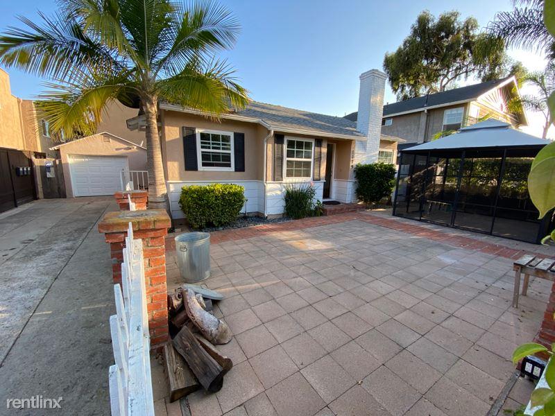 Thomas Ave, San Diego, CA - $4,800 USD/ month