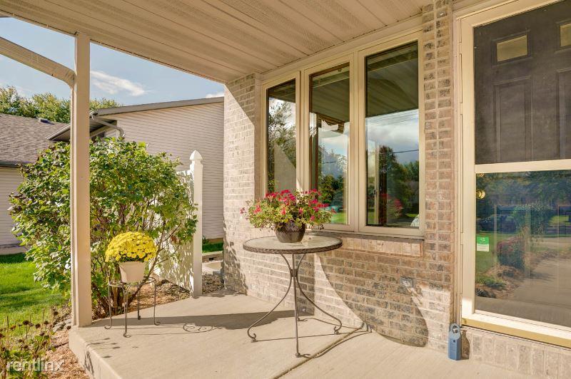 4544 Windsor Rd, Windsor, WI - $1,750 USD/ month