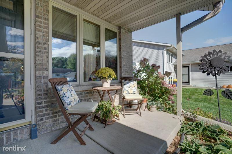 Windsor Rd, Windsor, WI - $1,850 USD/ month