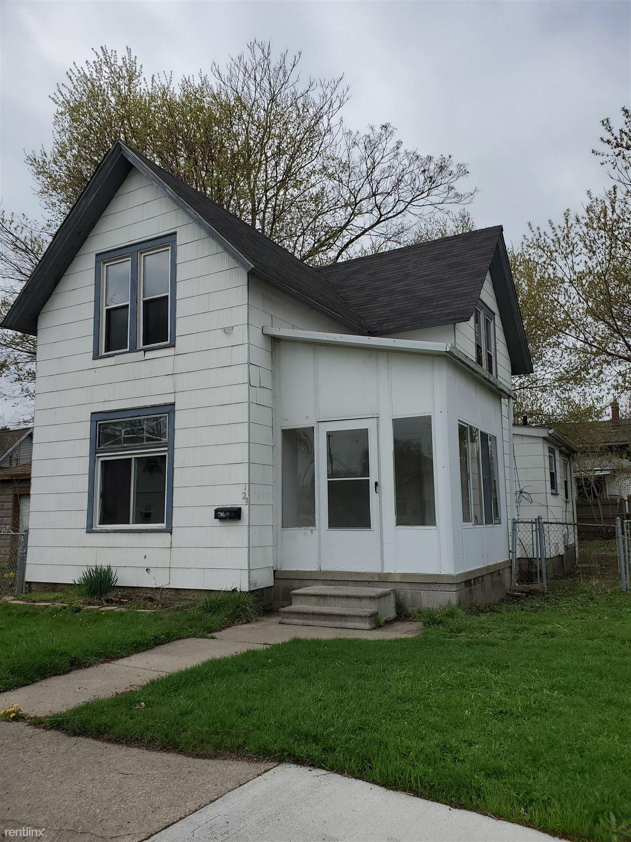 124 Beyne St, Mount Clemens, MI - $950 USD/ month