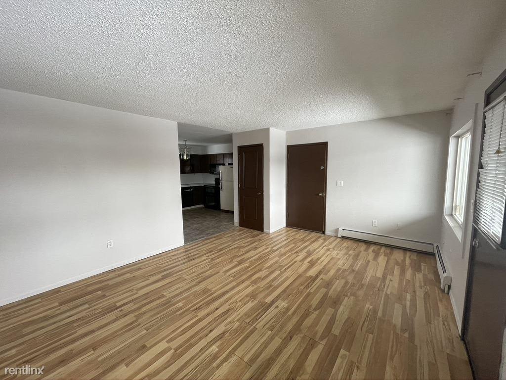 615 N Lane St, Anchorage, AK - $1,300 USD/ month