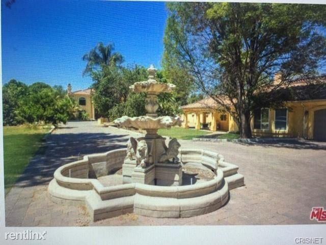 5717 Melvin Ave, Tarzana, CA - $12,500 USD/ month