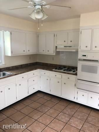 Yonkers Ter, Yonkers, NY - $2,700 USD/ month