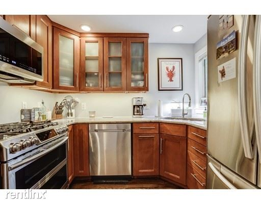 154 W 3rd St, South Boston MA, South Boston, MA - $3,800 USD/ month