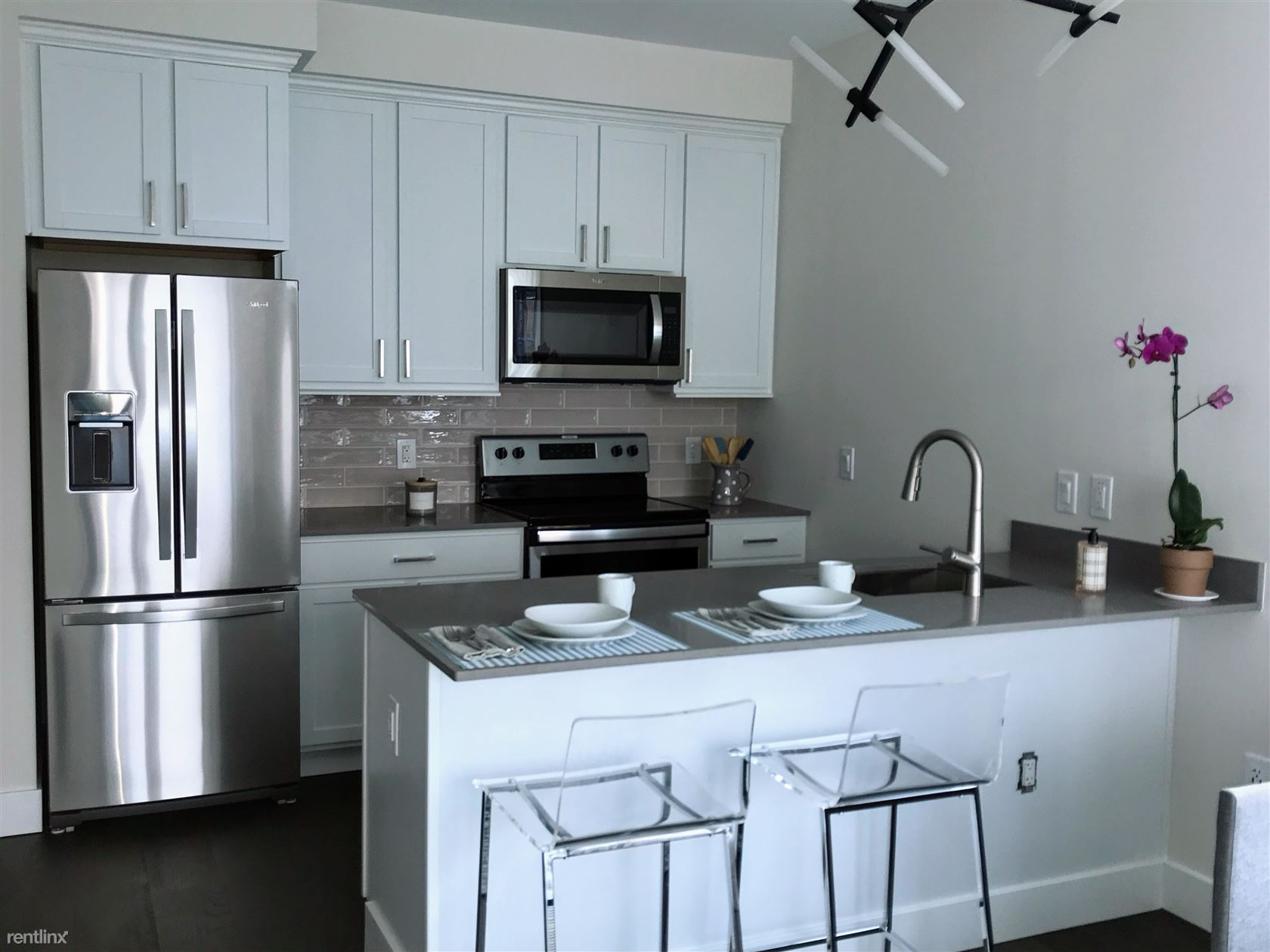 Brand New Luxury Studio Apt. -W/D-Gym-Rooftop-Terrace-Located in the Heart of Downtown New Rochelle
