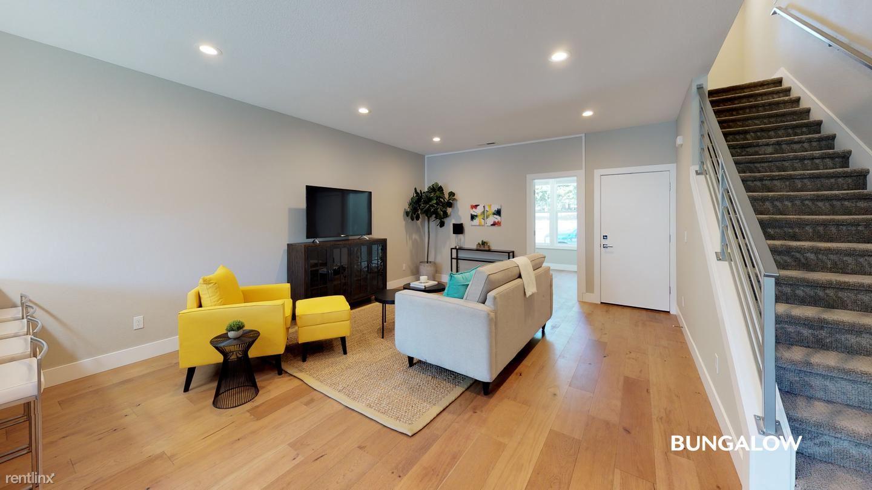 2416 SE Morrison St, Portland, OR - $695 USD/ month