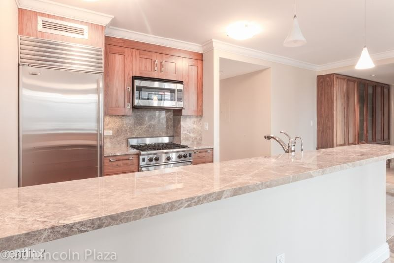 31 W 63rd St, New York, NY - $14,400 USD/ month