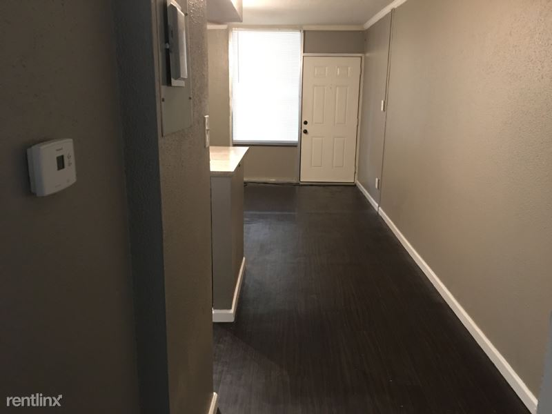 116 N Wilson St, Burleson TX, Burleson, TX - $1,400 USD/ month