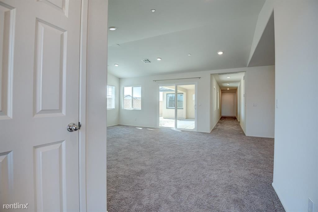 67459 Rio Madre Dr, Cathedral City, CA - $2,990 USD/ month