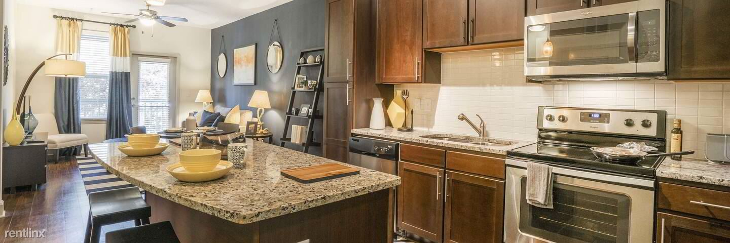 540 Trinity Lane North, St. Petersburg, FL - $2,100 USD/ month
