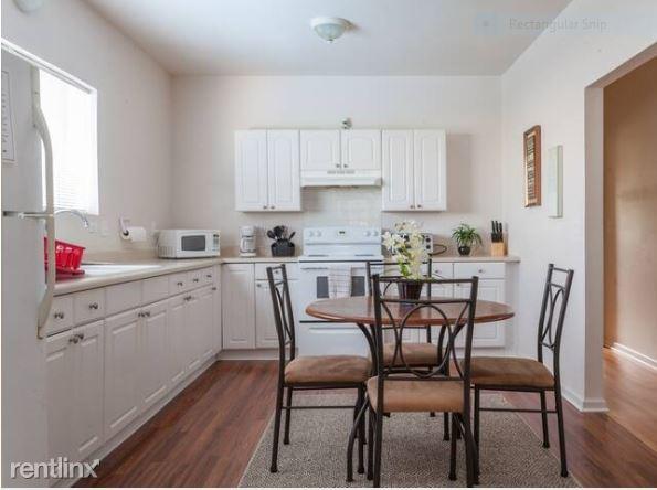 83 Anuenue Street Upstairs, Hilo, HI - $2,050 USD/ month