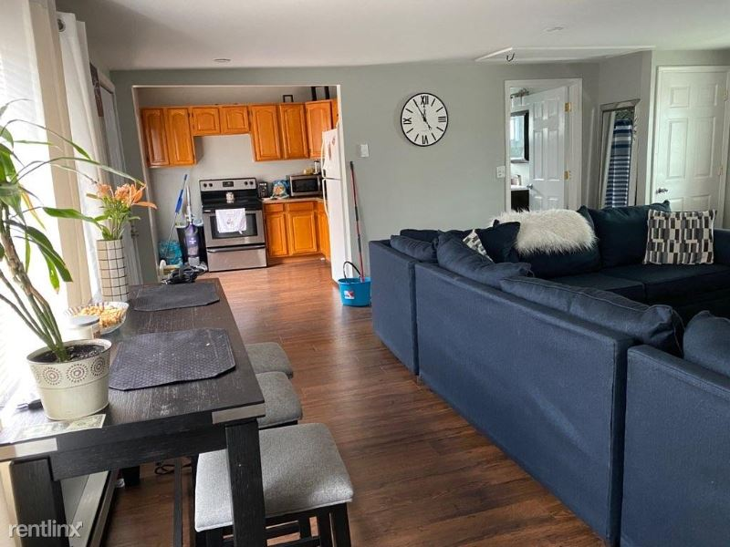 1172 Wyoming Ave Front A, Exeter, PA - $900 USD/ month
