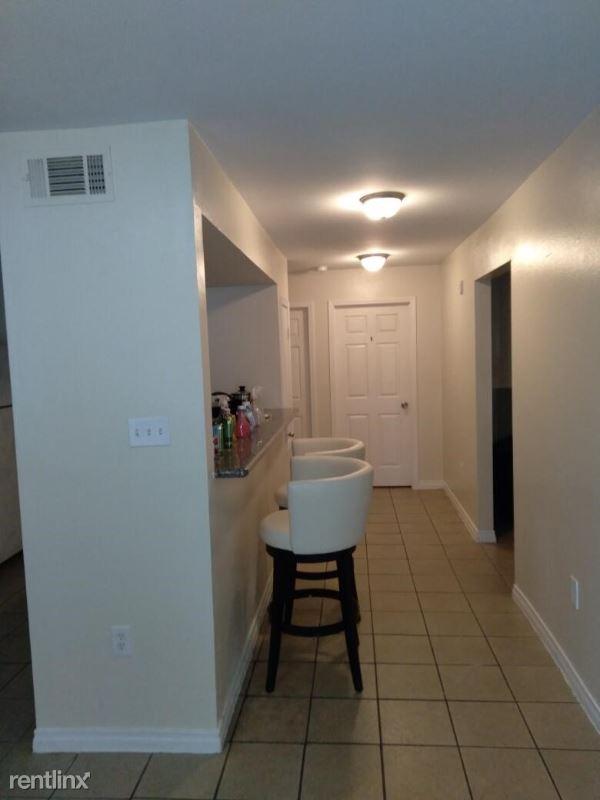 3300 Garden Oaks Dr, New Orleans, LA - $425 USD/ month