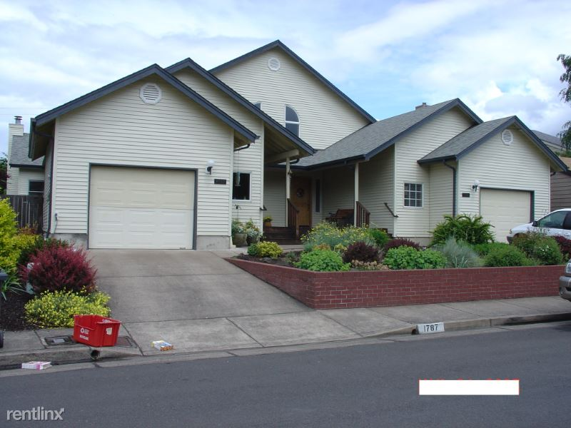 1787 NW Grant Cir, Corvallis, OR - $2,750 USD/ month