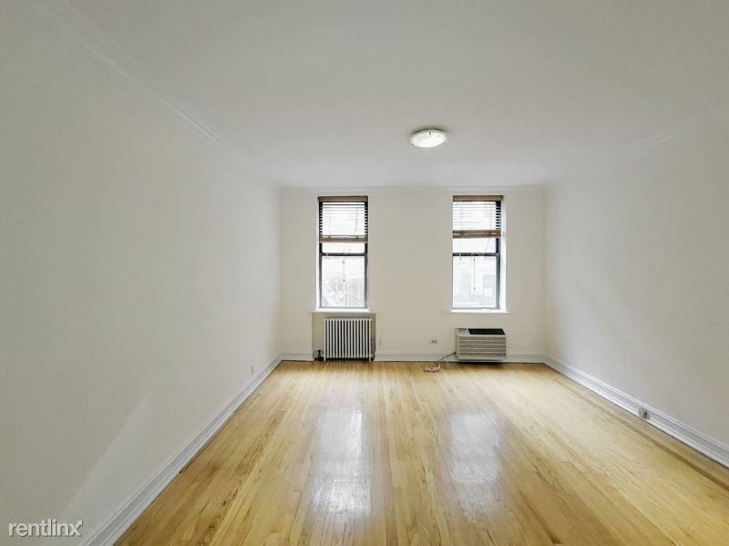241 E 46th St 2D, New York, NY - $1,512 USD/ month