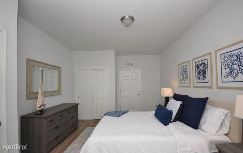 35 Washington Ave, Carteret NJ, Carteret, NJ - $800 USD/ month