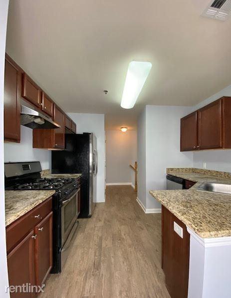 916 Ave S, Plainfield, NJ - $800 USD/ month
