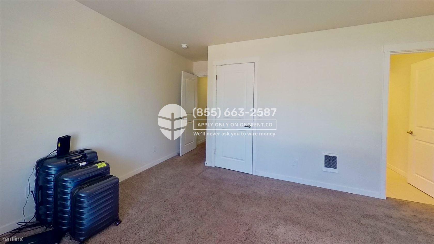 19403 7th Avenue West Unit B2, Lynnwood, WA - $2,600 USD/ month
