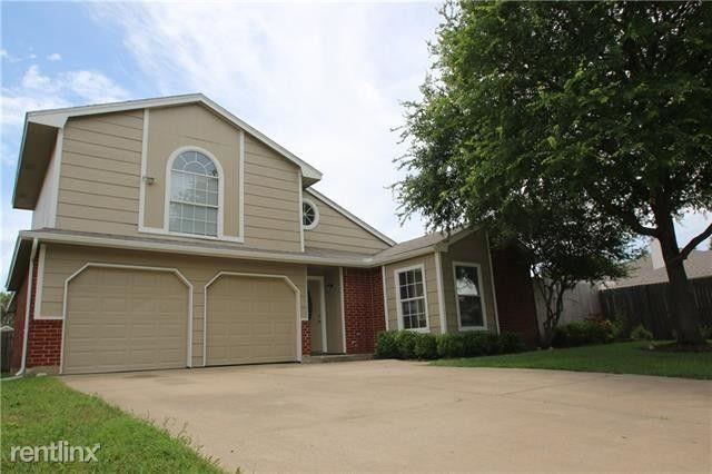 409 Meadow St, SAGINAW, TX - $2,095 USD/ month