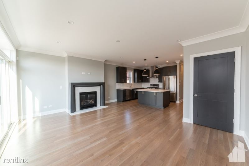 2319 N Southport Ave 1S - 5200USD / month