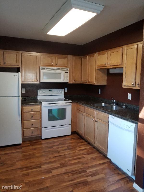 402 S 5th St. 8, Arlington, SD - $450 USD/ month