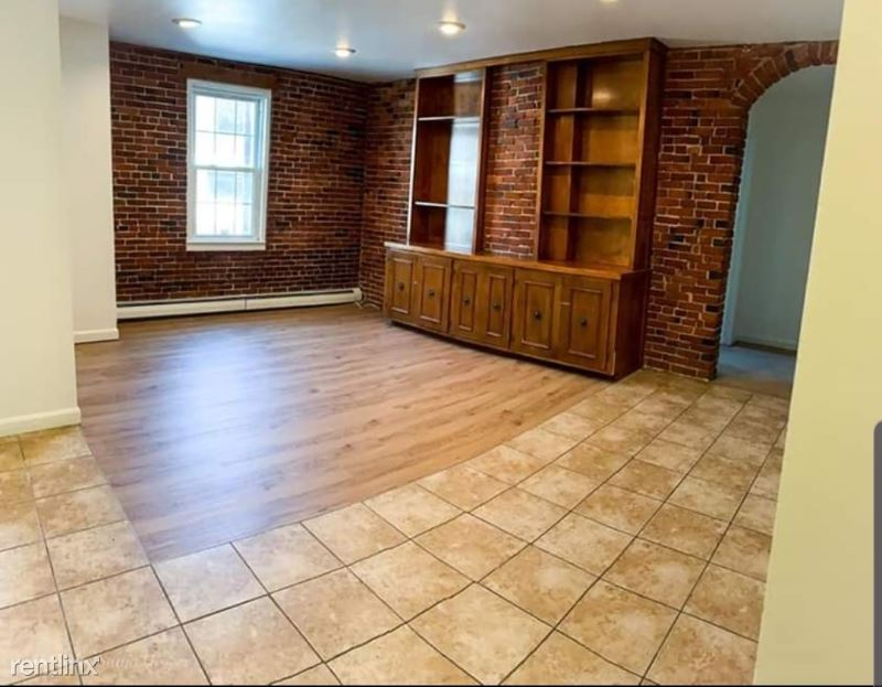 58 Mechanic St 7, Manchester, NH - $1,725 USD/ month