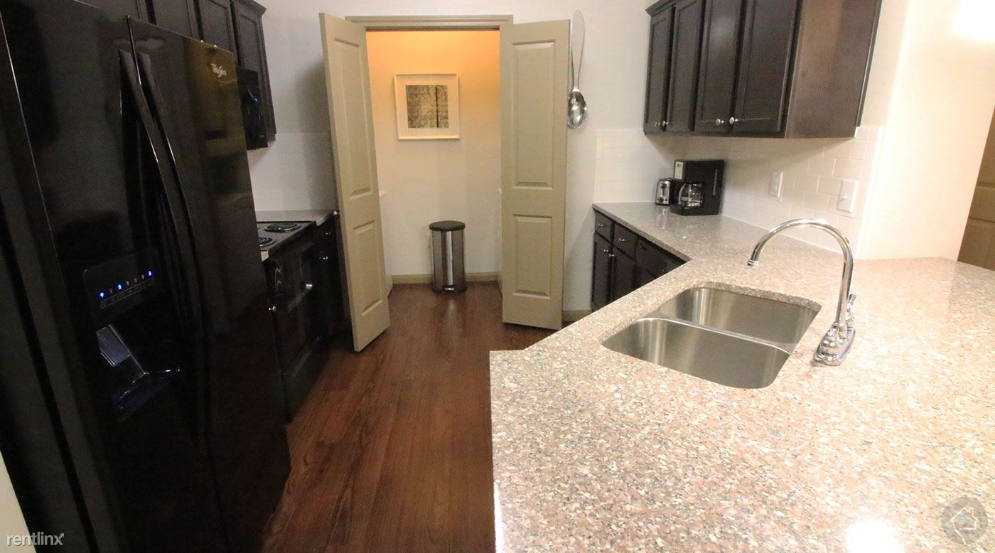 22870 State Hwy 105 W, Montgomery, TX - 1,174 USD/ month